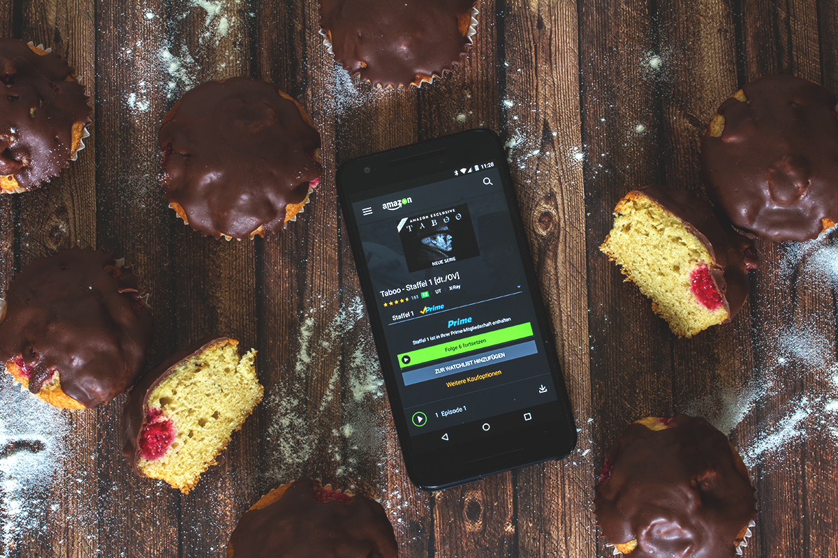 """Couchpotato: Himbeer-Joghurt-Muffins und die Serie """"Taboo"""""""