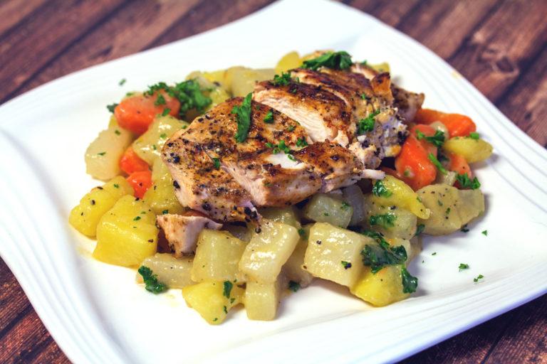 Rezept: Dreierlei mit Kartoffel, Karotten und Kohlrabi Gemüse mit gebratener Hähnchenbrust