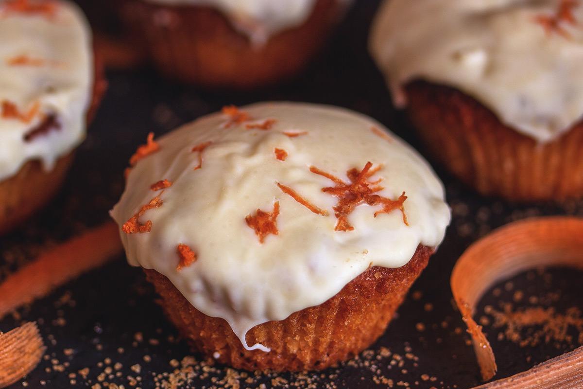 Karotten Muffin mit weißer Schokolade