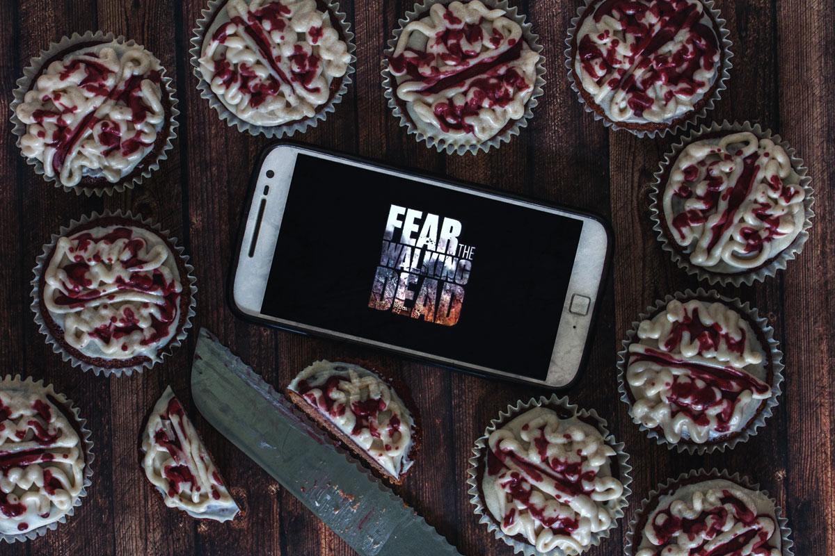 Rezept: Infizierte Muffins mit Gehirn/Brain Topping. Der Binge-Watching Snack für Fear The Walking Dead