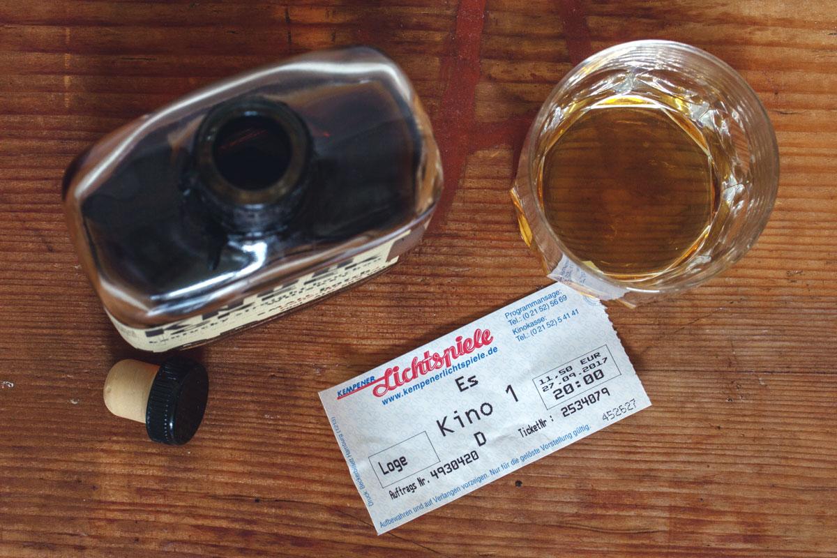 """Mein Filmriss: Kritik zum Film """"ES"""" nach dem Roman von Stephen King und dem Whisky Knob Creek Small Batch"""