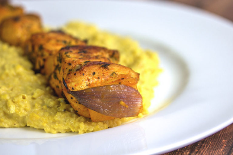 Rezept: Hähnchenspieß mit Ananas und Maispüree