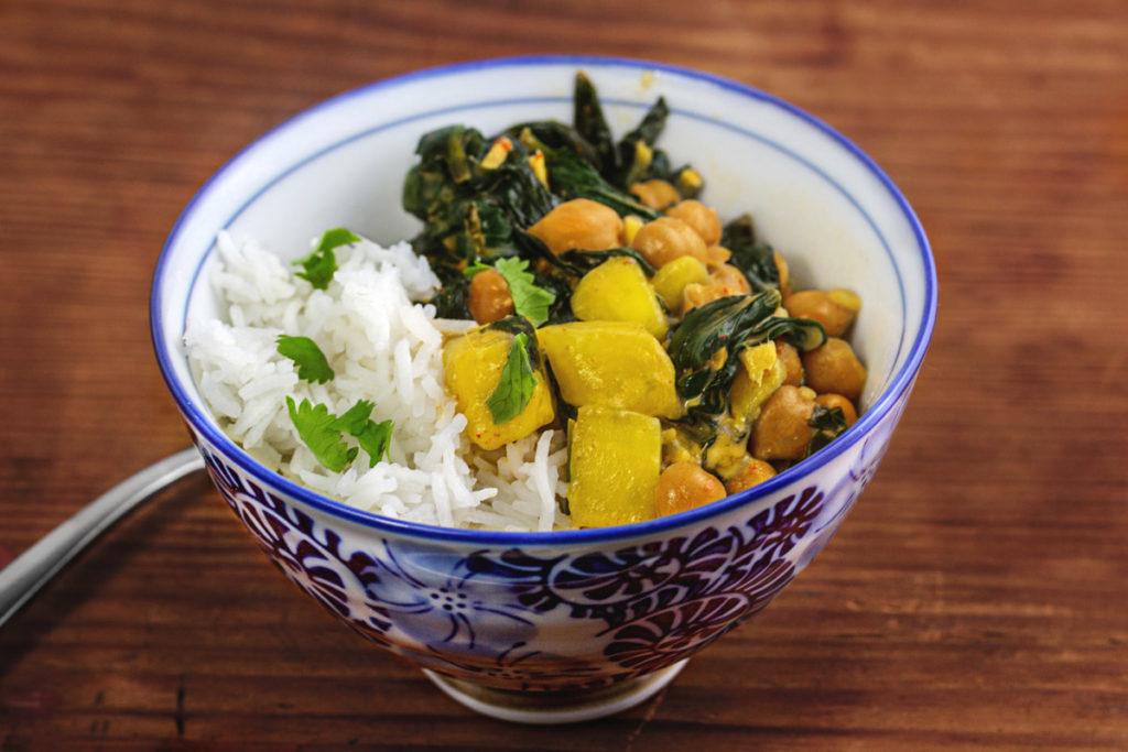 Rezept: Mango, Spinat, Kichererbsen Curry mit Reis